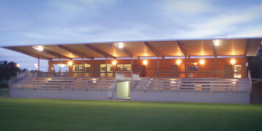 Fußballtribüne in Krieglach