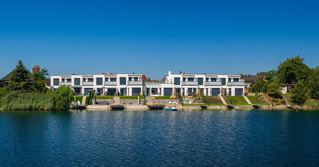 Außergewöhnliche Häuser in Neufeld/Leitha mit direktem Seezugang
