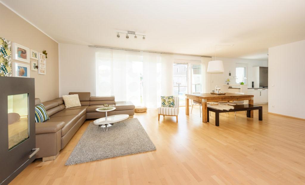 großzügiger Wohn-/Essbereich in einem Doppelhaus